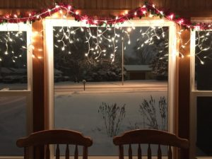 Tuled akende kohal